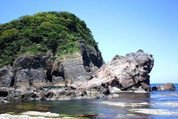 間近で見るかえる島